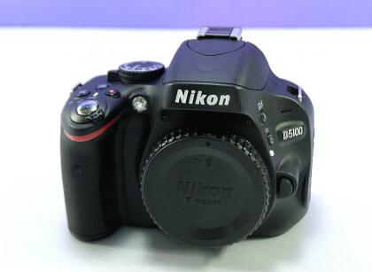 NIKONデジタル一眼D5100の正面画像
